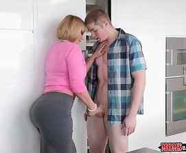 Mom seduces her son in law to fucking