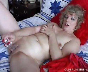 Attractive mature amateur